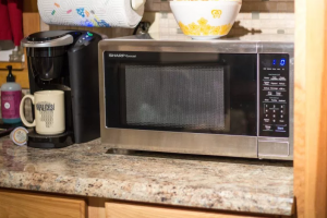 Can You Put A Microwave In Cabinet