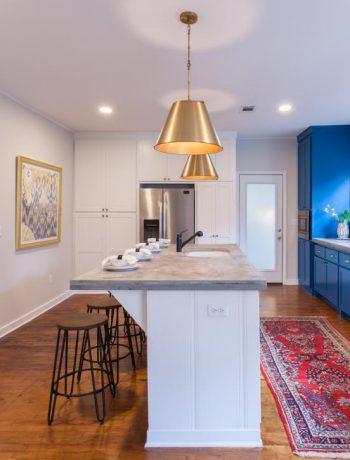 Blue and white kitchen design.