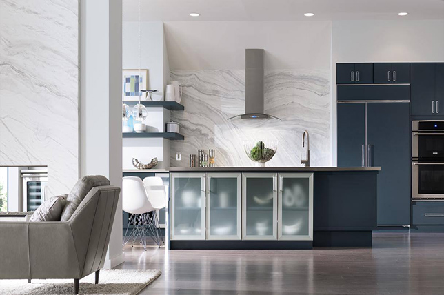 Decor Aid's blue kitchen design.