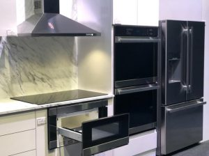 Draw Style Microwave in a Modern Kitchen - Microwave Drawers Pros & Cons