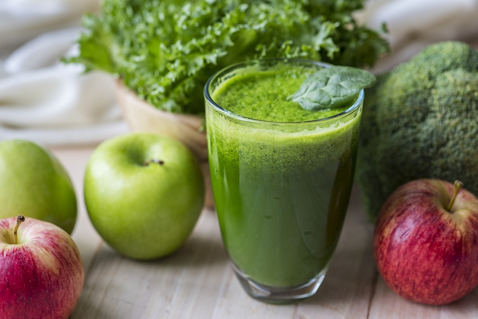 Green apple energy drink with apples.