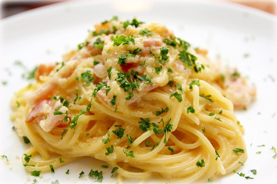 Carbonara with spaghetti.