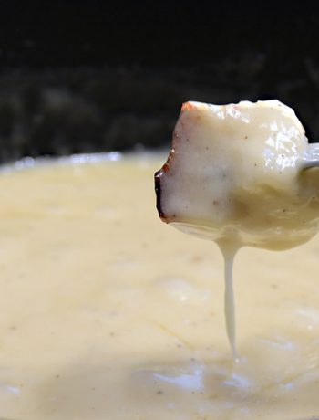 Swiss fondue in a pan.