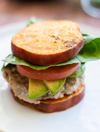 Sweet potato sandwhich with tomatoe.