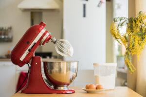 Mixer on an appliance stand